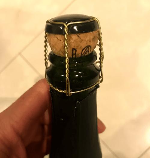菊泉 ひとすじ 発泡純米酒の栓